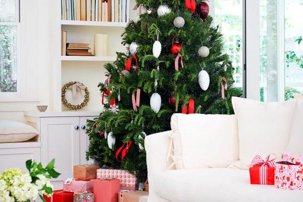 easy christmas decorating ideas home - Simple Christmas Decorations Ideas For Living Room