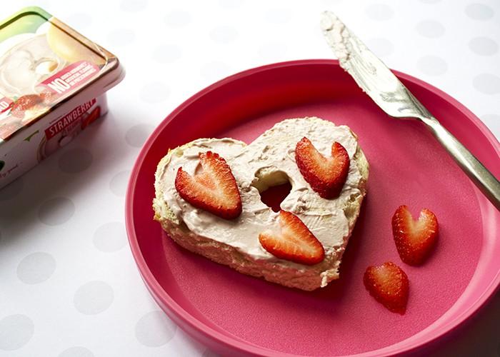 Arla strawberry cream cheese snack