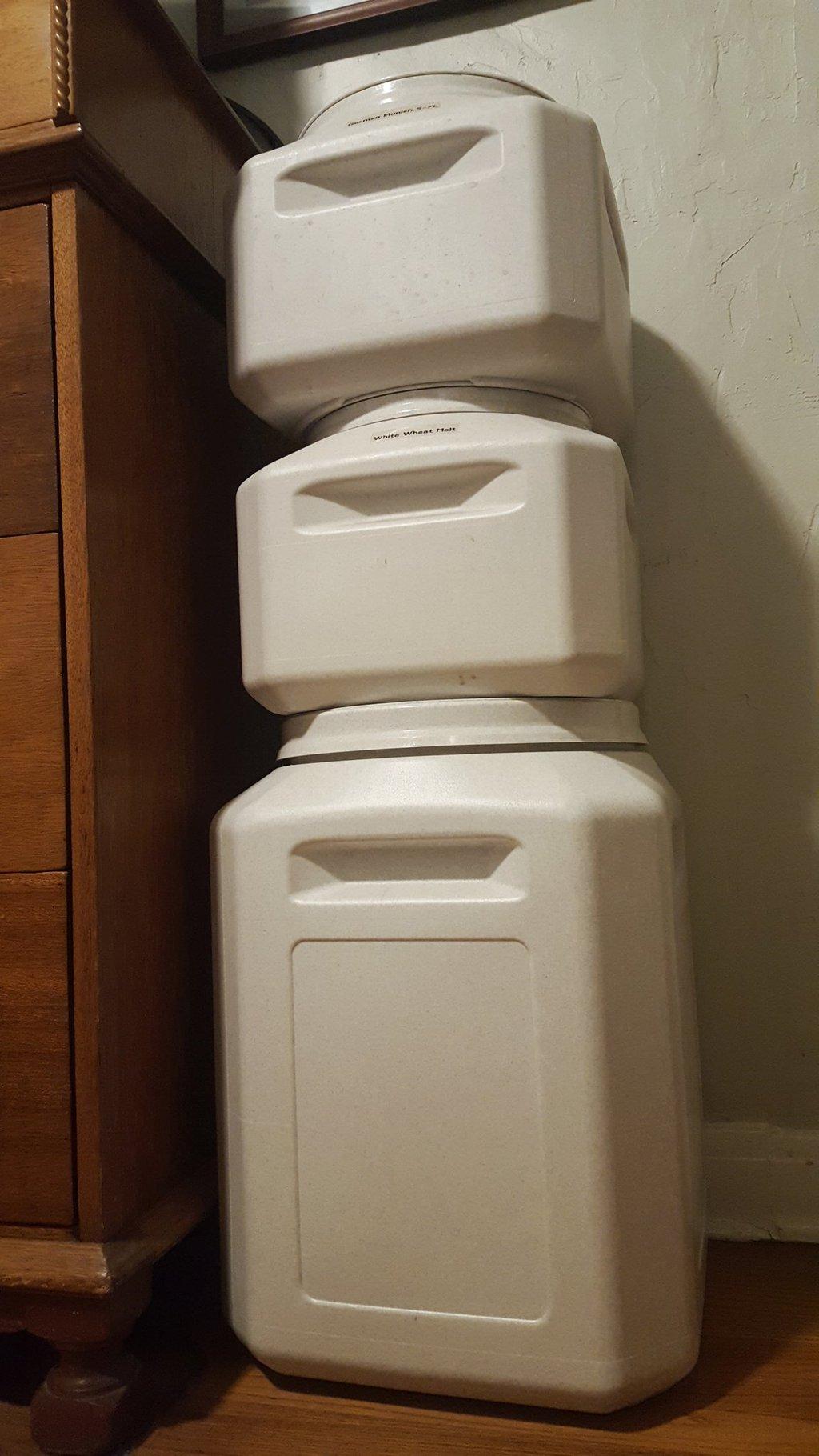 50 lb Stackable Airtight Container 55 lbs Grain Storage Capacity