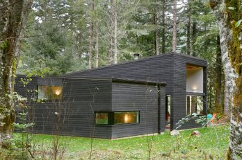 2-Courtyard House on a River-MW