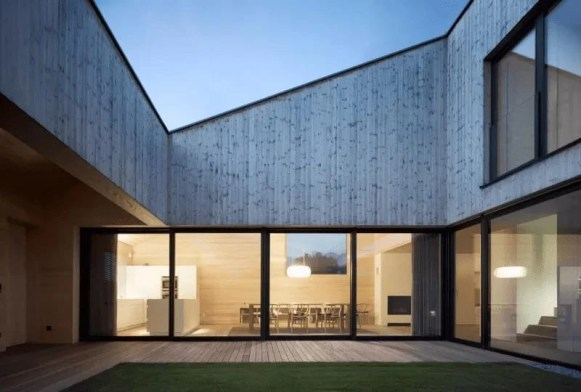Home-with-Inner-Courtyard-by-Bernardo-Bader-2-min-e1506098550123