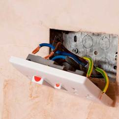 3 Phase 5 Pin Plug Wiring Diagram Uk 1989 Toyota Pickup Ignition Electrical Sockets Explained Homebuilding Renovating Socket Detached From Wall With Exposed Wires