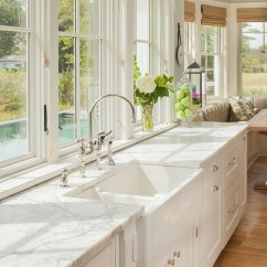 Farmers Sinks For Kitchen Showrooms Nyc Farmhouse Renovation Home Bunch Interior Design Ideas Sink Is From Signature Hardware It The 39