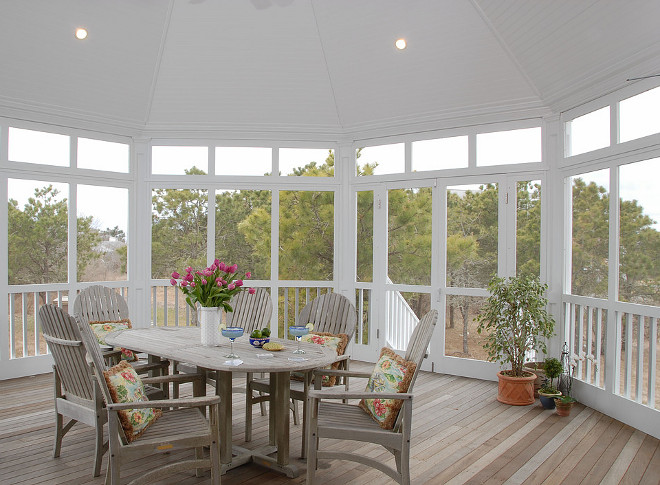 Screened in porch. Screened in porch paint color. Screened in porch painted in white with teak furniture. Screened in porch ceiling. #Screenedinporch #Screenedinporchceiling #Screenedinporchpaintcolor #Screenedinporchideas #Screenedinporches Sullivan + Associates Architects
