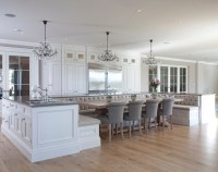 Traditional English Home with Large European Kitchen ...