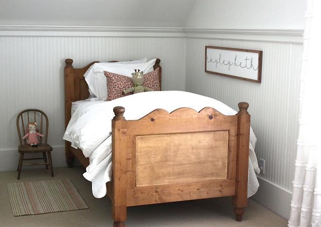 Vintage Kids Bedroom. Vintage Farmhouse Kids Bedroom. Kids Bedroom #KidsBedroom #farmhousekidsbedroom Home Bunch's Beautiful Homes of Instagram @blessedmommatobabygirls