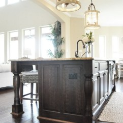 Moen Pull Down Kitchen Faucet Cabinet Showroom Beautiful Homes Of Instagram - Home Bunch Interior Design ...