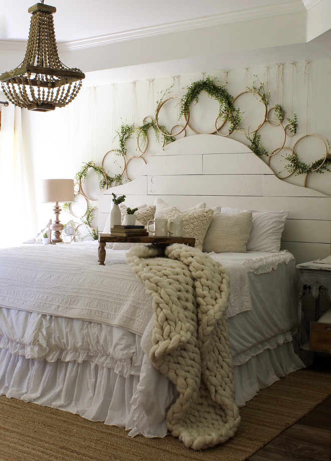 Sherwin Williams Alabaster Farmhouse Shiplap Wall Paint Color. Sherwin Williams Alabaster. Sherwin Williams Alabaster. Sherwin Williams Alabaster #SherwinWilliamsAlabaster Home Bunch Beautiful Homes of Instagram @cottonstem