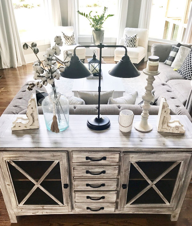 Whitewashed Console Table. Whitewashed Console Table. Whitewashed Console Table. Whitewashed Console Table. Whitewashed Console Table. Whitewashed Console Table #WhitewashedConsoleTable #ConsoleTable Home Bunch Beautiful Homes of Instagram @mygeorgiahouse