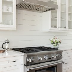 Maple Shaker Kitchen Cabinets Commercial Hood Parts Lowcountry-style Coastal Farmhouse - Home Bunch Interior ...
