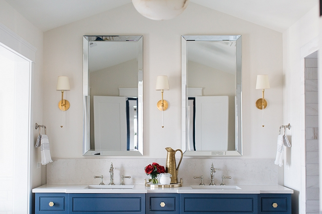 Best neutral paint colors for bathroom Benjamin Moore Classic Grey bathroom paint color Benjamin Moore Classic Grey