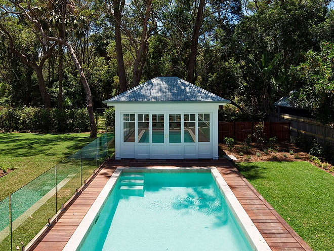 Poolhouse within pool fence