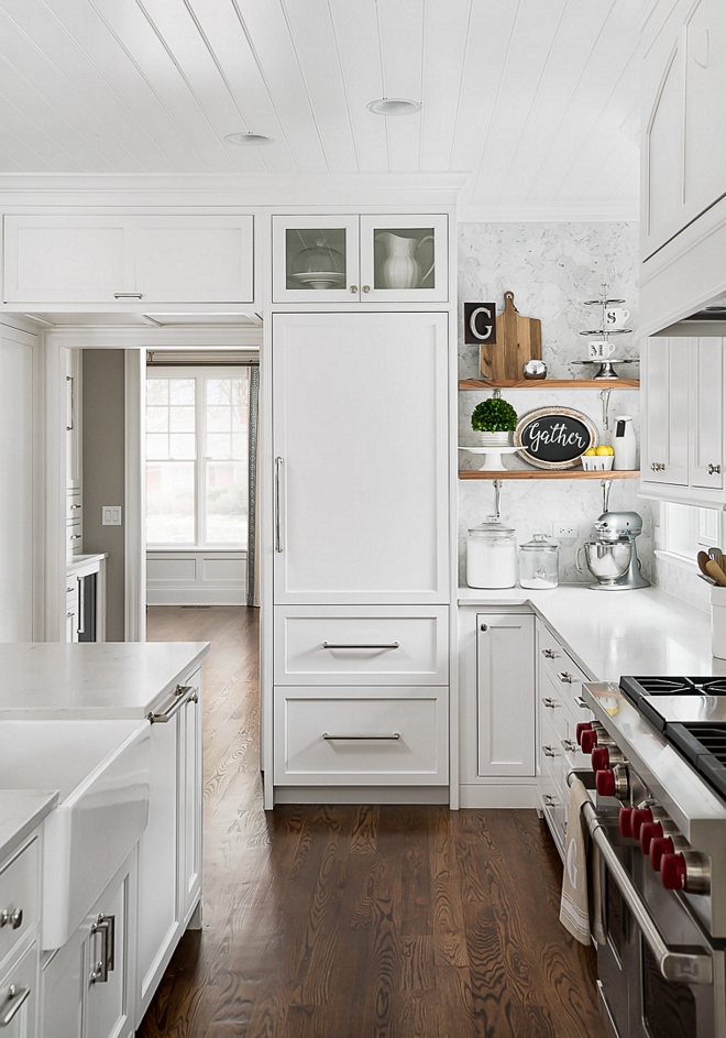 Benjamin Moore OC-57 White Heron Kitchen cabinet paint color Benjamin Moore OC-57 White Heron Benjamin Moore OC-57 White Heron #BenjaminMooreOC57WhiteHeron #BenjaminMooreWhiteHeron