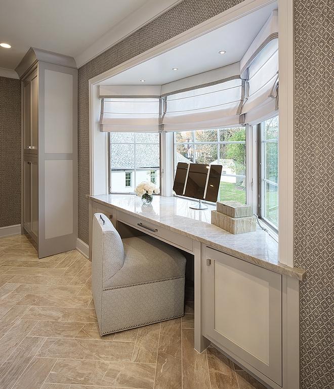 Bathroom Quartzite countertop Bathroom features a vanity with Quartzite countertop #bathroomQuartzitecountertop #bathroom #Quartzitecountertop