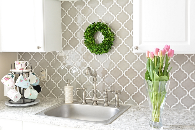 Grey Merola tile backsplash Arabesque Grey Merola tile backsplash ideas Grey Merola tile backsplash #Greytile #Merolatile #backsplash