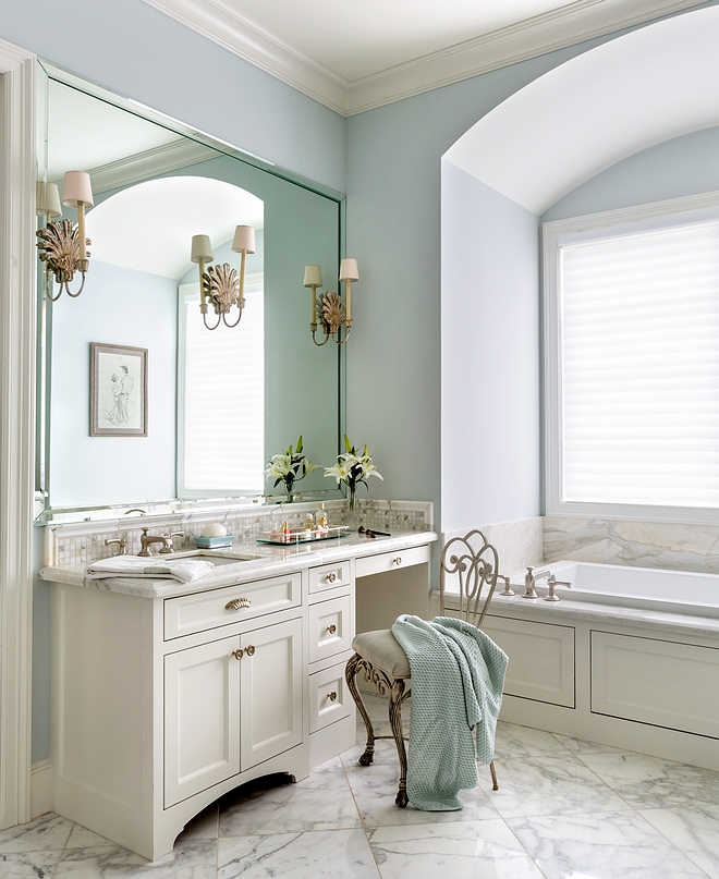 Glass Slipper by Benjamin Moore Paint color Cabinet paint color is Seashell by Benjamin Moore Glass Slipper by Benjamin Moore Blue Bedroom Paint Color Paint color #GlassSlipperBenjaminMoore #Paintcolor #bluepaintcolor #bluebathroom