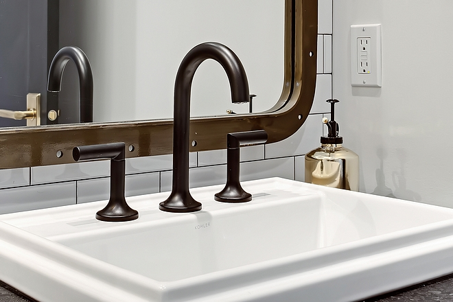 Matte Black Bathroom Faucet source on Home Bunch Matte Black Bathroom Faucet #MatteBlackBathroomFaucet