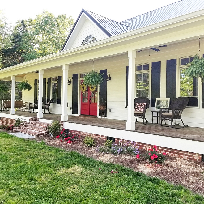 Sherwin Williams Extra White SW 7006 Modern Farmhouse Exterior Paint Color Sherwin Williams Extra White SW 7006 Sherwin Williams Extra White SW 7006 Sherwin Williams Extra White SW 7006 #SherwinWilliamsExtraWhite #SherwinWilliamsSW7006