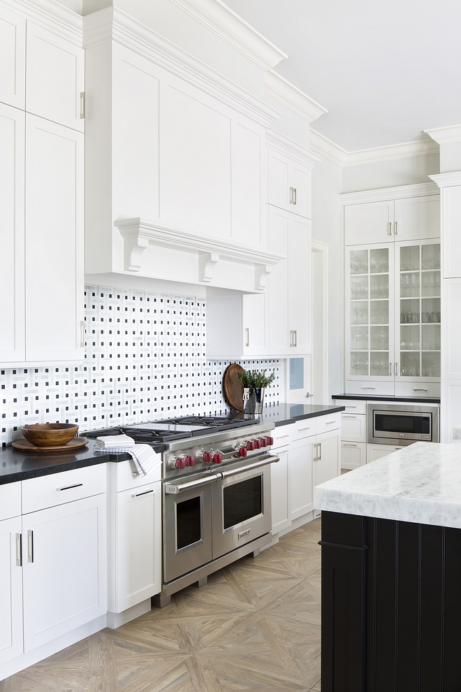 Benjamin Moore White Dove Kitchen cabinet Benjamin Moore White Dove Kitchen cabinet paint color #BenjaminMooreWhiteDove #BenjaminMoore #WhiteDove #kitchen #cabinet #paintcolor