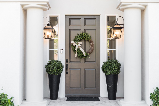Traditional Front Door Traditional Entry Traditional Front Door Design Traditional Entry Ideas #TraditionalFrontDoor #TraditionalEntry