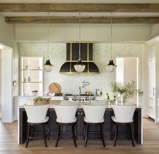 Kitchen Lighting Light fixtures in iron and brass lend the property a distinct architectural edge Kitchen Lighting Kitchen Pendant Lighting #KitchenLighting #Kitchen #lighting