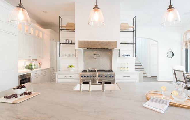 Sherwin Williams SW7005 Pure White Kitchen Cabinet Paint Color Sherwin Williams SW7005 Pure White #SherwinWilliamsSW7005PureWhite #SherwinWilliamsSW7005 #SherwinWilliamsPureWhite