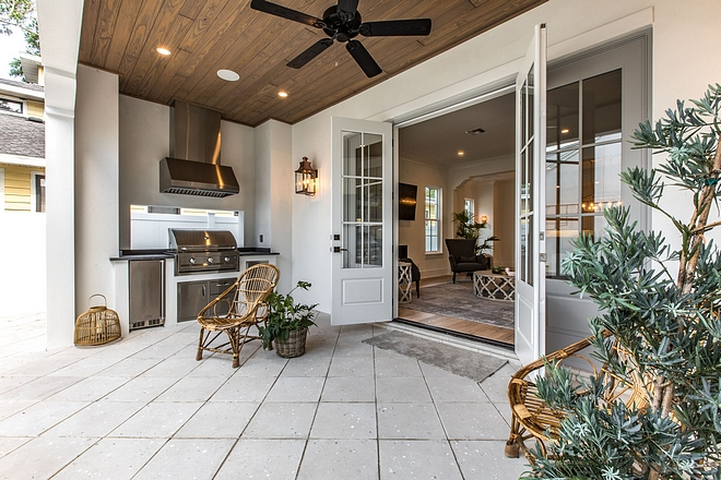 Small back porch with built-in bbq