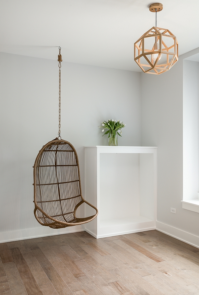 Site White by Sherwin Williams Site White by Sherwin Williams Site White by Sherwin Williams Category Light Grays Site White by Sherwin Williams #SiteWhite #SherwinWilliams