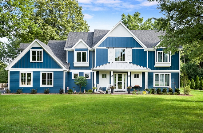 Undoubtedly, modern farmhouse is by far the most popular home style these days We have seen many modern farmhouse with white exteriors, Joanna Gaines-inspired farmhouses, new-construction modern farmhouses, board and batten modern farmhouses and more recently, a modern farmhouse with black and white interiors, but a modern farmhouse with blue exterior is something new to me, and, just between you and I, it feels very refreshing