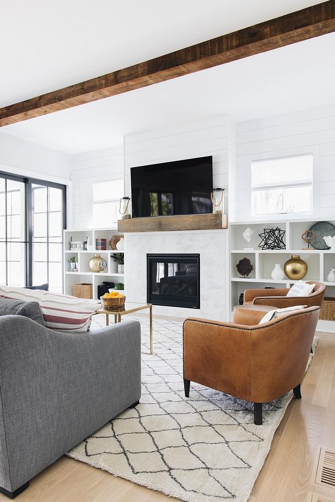Modern Farmhouse family room how to balance decor and furniture in a modern farmhouse family room #modernfarmhouse #familyroom