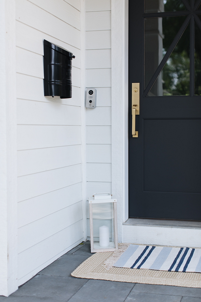 Layering runners add some character and more beauty to your front porch