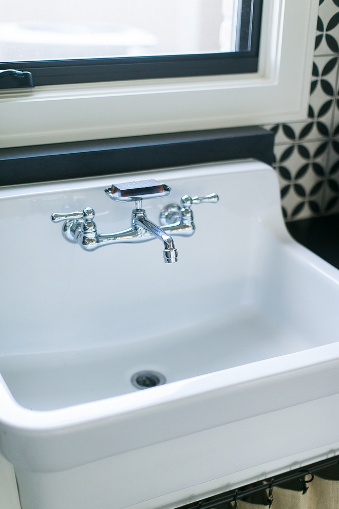 Laundry room utility sink with soap holder faucet souces on Home Bunch Laundry room utility sink Laundry room utility sink #Laundryroom #utilitysink