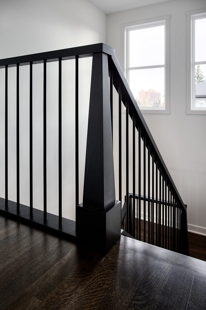 Modern craftsman-style newel post Custom Modern craftsman-style newel post New take on Modern craftsman staircase #craftsmanstylenewelpost #craftsmanstaircase #newelpost