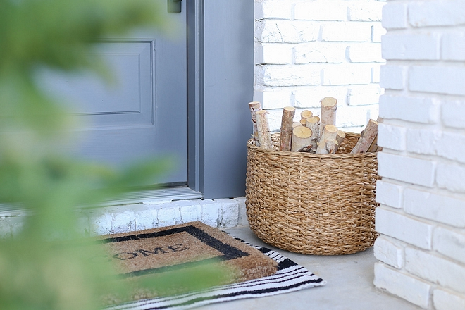 Layered door mats A Welcome mat is always a classic addition to any front door and it looks even better when layered with an outdoor runner under it #doormat #Layereddoormats