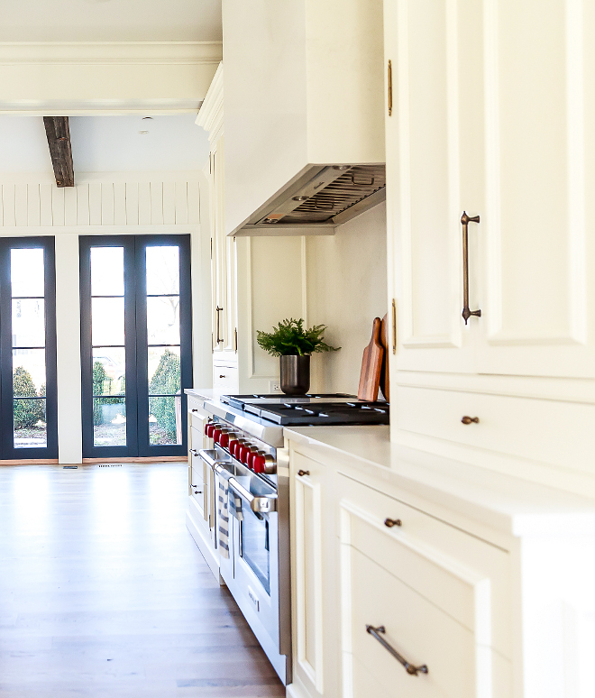 Benjamin Moore OC-17 White Dove Best off-white creamy white kitchen paint color The kitchen cabinet paint color is Benjamin Moore OC-17 White Dove walls are also painted in Benjamin Moore White Dove #BenjaminMooreWhiteDove #offwhitekitchen #creamywhitekitchen #creamywhitepaintcolor #offhitepaintcolor