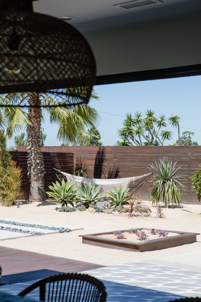 Modern fence Modern vertical fence Modern fence design ideas #modernfence #fence #backyard #verticalfence