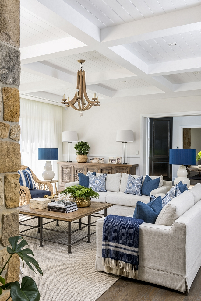 Neutral living room with blue and white color scheme Hamptons-inspired Living Room Neutral living room with blue and white color scheme #Neutralinteriors #neutrallivingroom #livingroom #blueandwhite #colorscheme