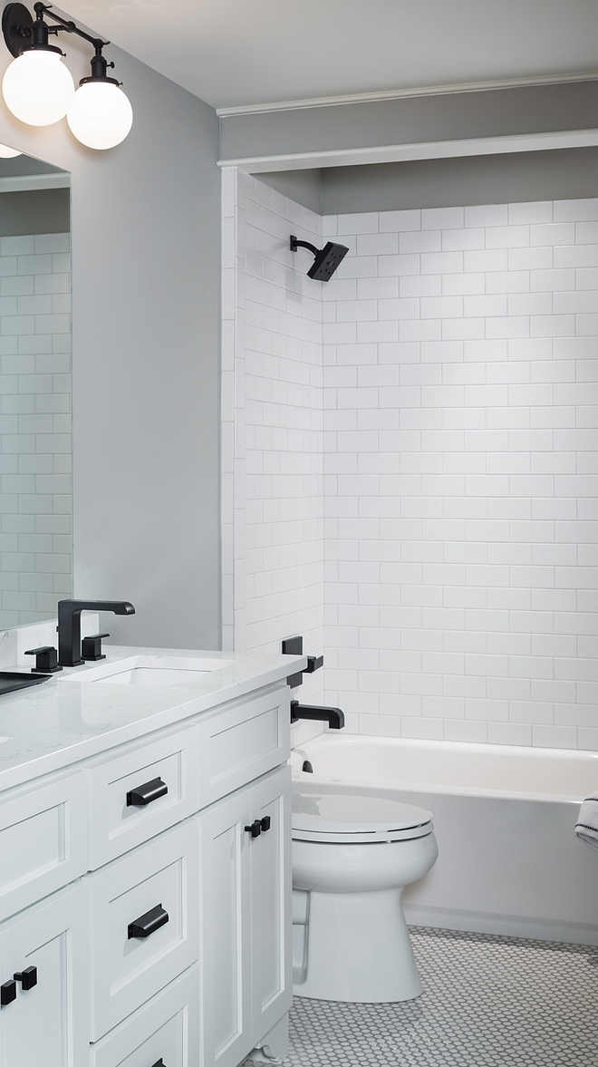 Classic White Bathroom with black accents Renovation Classic White Bathroom with black accents Renovation Ideas Classic White Bathroom with black accents Renovation #ClassicWhiteBathroom #bathroom #Bathroomrenovation
