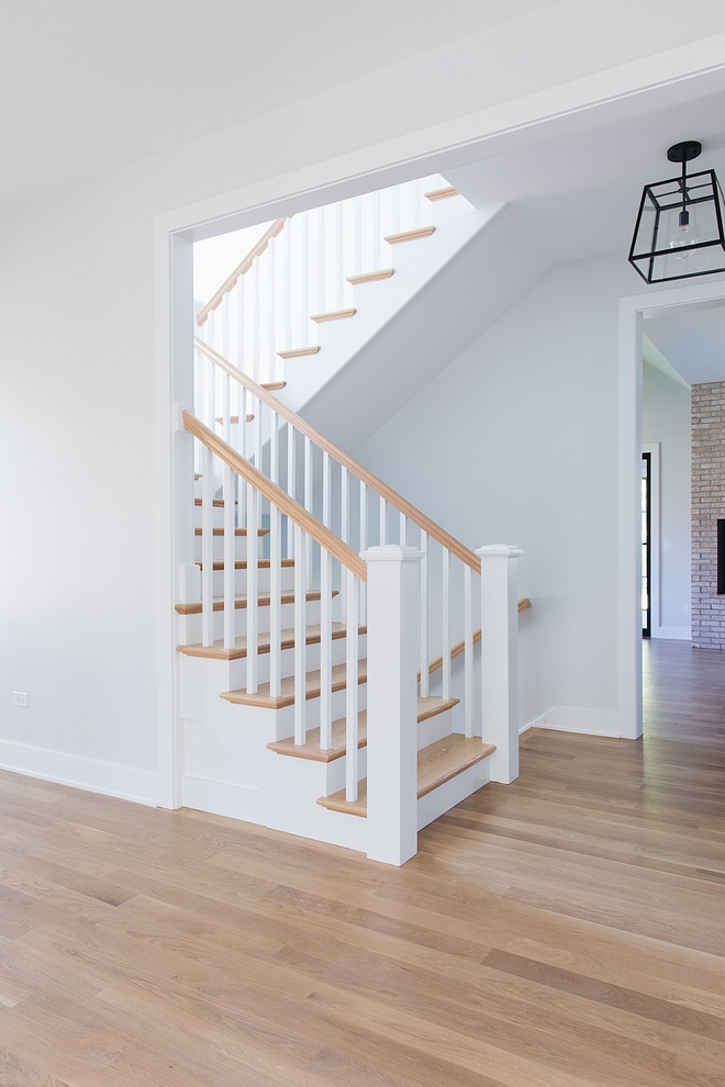 Sherwin Williams Extra White SW 7006 Trim paint color throughout the house is Sherwin Williams Extra White SW 7006 Sherwin Williams Extra White SW 7006 #SherwinWilliamsExtraWhite #SW7006