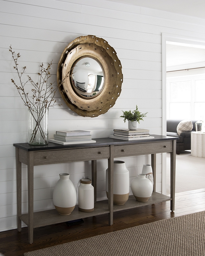 How to decorate your foyer Take a look at this and notice the details. There's nothing missing and nothing is overstuffed. Perfection! In my opinion, an overstuffed space feels more like a store display than actually a home, and I am seeing a lot of that these days #foyer #decor #homedecor #homeideas