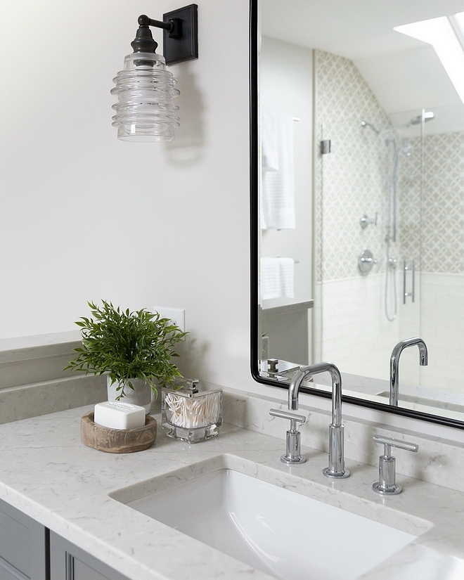 Bathroom quartz countertop The bathroom countertop is LG Minuet Quartz - it looks like marble but it has the quartz durability #Bathroom quartz countertop #bathroom #countertop #LGMinuet #Quartz