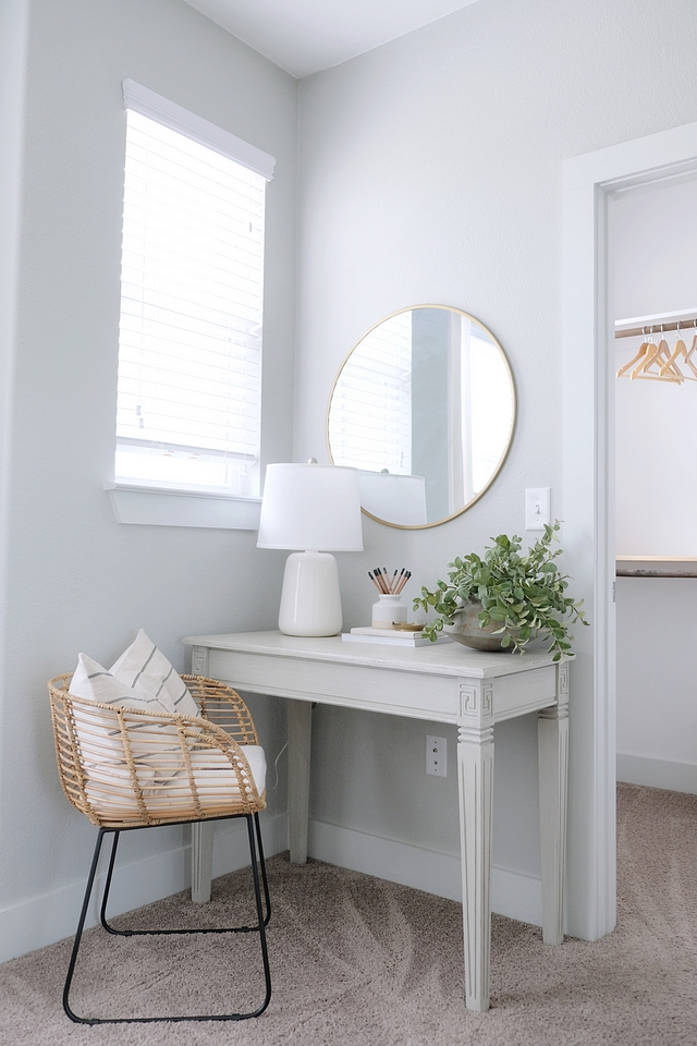 Small desk Bedroom with small desk area perfect for a guest bedroom #bedroom #desk #smalldesk