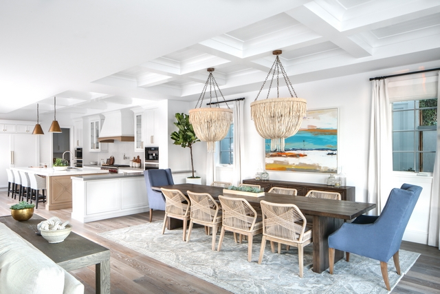 Dining room Notice the peninsula between the dining room and kitchen. It would be wonderful if the cabinet doors were added to this side as well, so it could be better accessed from the dining room. Keep this in mind if you have a similar layout #diningroom #peninsula #kitchen