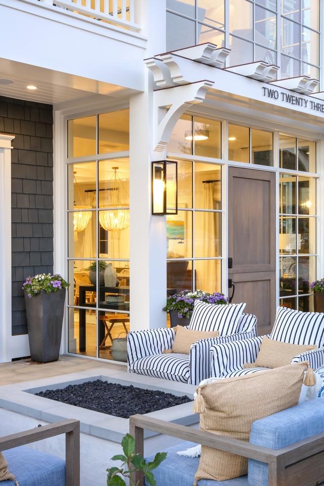 Shingle Home with white trim Shingle Home with white trim and trellis Shingle Home with white exterior trim ideas #ShingleHome #whitetrim #exteriortrim