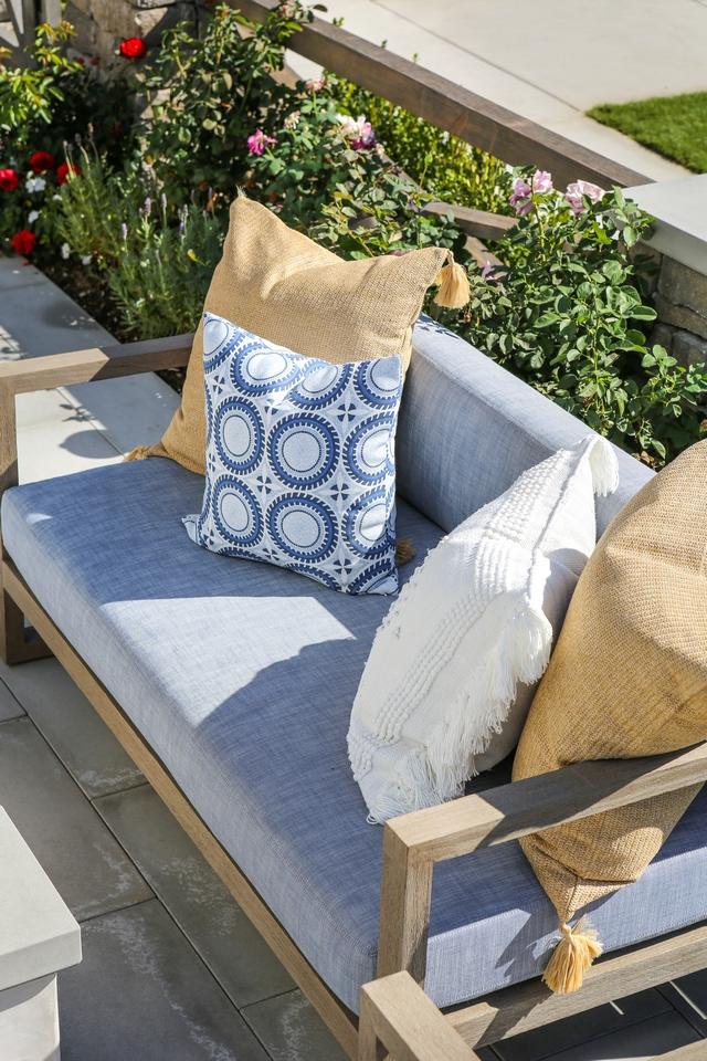 Outdoor Sofa with cushion Outdoor Sofa with cushion ideas Outdoor Sofa with cushion and outdoor pillows Outdoor Sofa with cushion #OutdoorSofa #Outdoorsofacushion #outdoorpillow