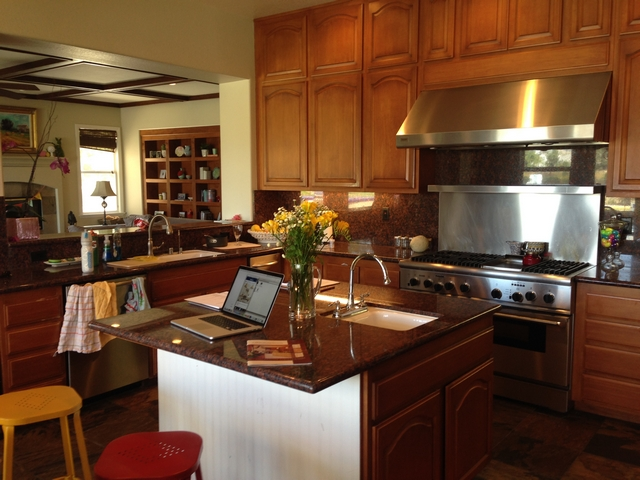 Before Kitchen Renovation Go to Home Bunch blog to see the After pictures Impressive change