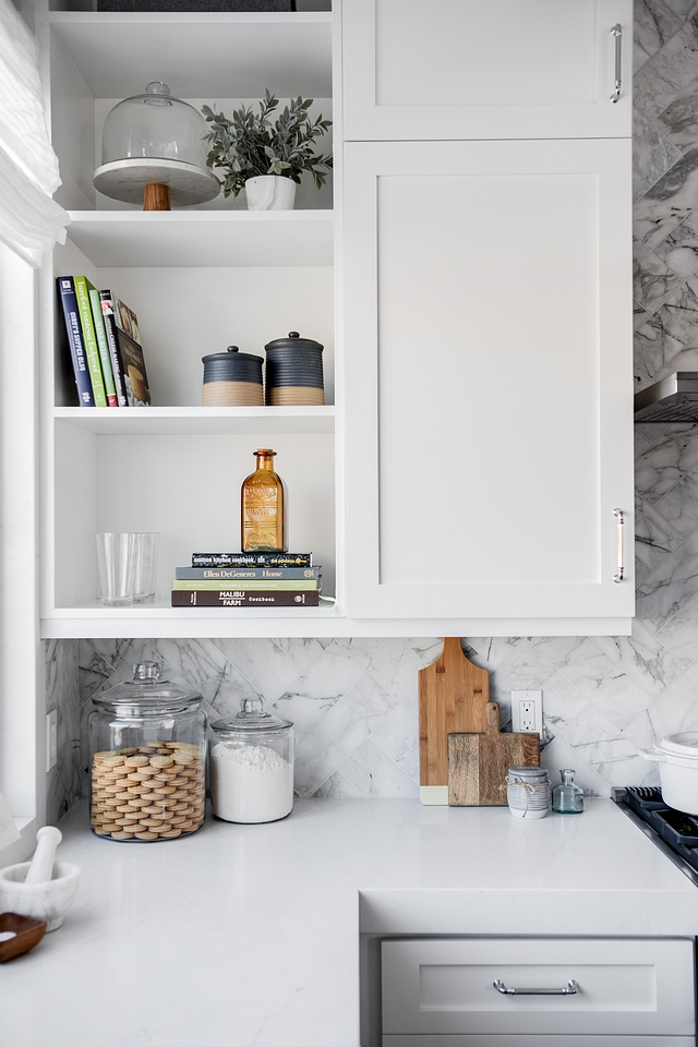 Pure White by Sherwin Williams Kitchen Perimeter Paint Color Pure White by Sherwin Williams Pure White by Sherwin Williams Pure White by Sherwin Williams #PureWhiteSherwinWilliams #KitchenPaintColor #Kitchen #PaintColor