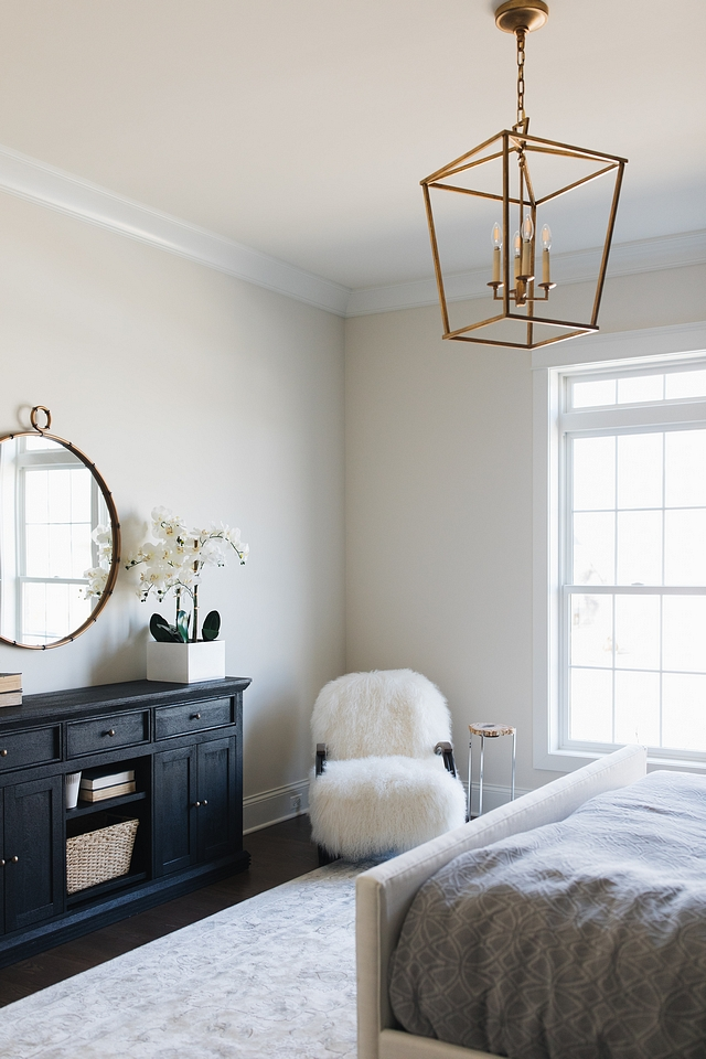 Wall color is Benjamin Moore Classic Gray and trim is Benjamin Moore Simply White Neutral wall color with white trim paint color Wall color is Benjamin Moore Classic Gray and trim is Benjamin Moore Simply White Wall color is Benjamin Moore Classic Gray and trim is Benjamin Moore Simply White #Wallcolor #BenjaminMooreClassicGray #trimpaintcolor #BenjaminMooreSimplyWhite