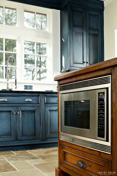 navy blue painted kitchen cabinets Navy Kitchen Cabinet Paint Color - Home Bunch Interior Design Ideas