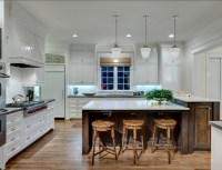 Greek Revival Home with Traditional Interiors - Home Bunch ...